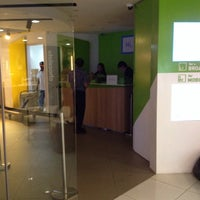 Photo taken at StarHub Shop (Mobile) by 刘 文 成 on 10/29/2014