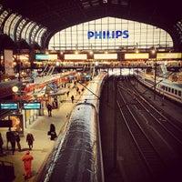 Das Foto wurde bei Hamburg Hauptbahnhof von Simon B. am 3/22/2013 aufgenommen