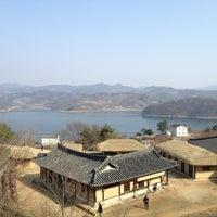 Photo taken at 문의문화재단지 by 서정현 J. on 3/31/2013