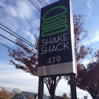 Photo taken at Shake Shack by Suzanne on 11/9/2013