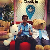 Photo taken at Thonglor Pet Hospital by maximumboy s. on 9/20/2013