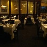10/11/2012 tarihinde Josueziyaretçi tarafından Morton's The Steakhouse'de çekilen fotoğraf
