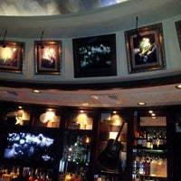 Photo taken at Hard Rock Cafe by Simone B. on 11/10/2012