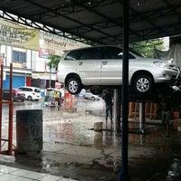 Photo taken at Sapta Putra Cuci Mobil by Dibet A. on 6/7/2015