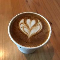 รูปภาพถ่ายที่ Herkimer Coffee โดย Sanil S. เมื่อ 10/29/2017