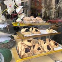 Photo taken at Moishe's Bake Shop by Claudia W. on 3/12/2017