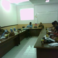 Photo taken at Kantor Bappeda dan Statistik by Udhin P. on 10/24/2012