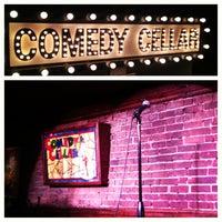Foto tirada no(a) Comedy Cellar por Andrea C. em 3/13/2013
