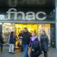 Photo prise au Fnac par Shay C. le11/3/2012