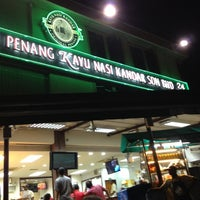 Photo taken at Restoran Original Penang Kayu Nasi Kandar by Ahmad R. on 9/29/2012