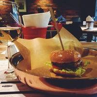 Снимок сделан в Ketch Up Burgers пользователем Madina K. 6/2/2014