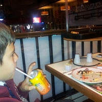 Photo taken at Pizza Hut by Cengiz D. on 11/15/2012