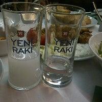 4/4/2013 tarihinde Ömer İ.ziyaretçi tarafından Çapa Restaurant'de çekilen fotoğraf