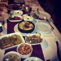6/10/2013 tarihinde Berna Köseziyaretçi tarafından Akan Restaurant'de çekilen fotoğraf
