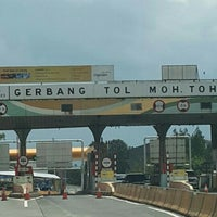 Photo taken at Gerbang Tol Moh. Toha by M3i🎶💯 陈. on 9/25/2016
