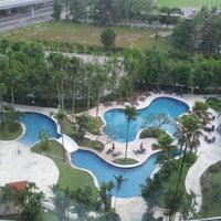 Photo taken at Thistle Hotel Johor Bahru by Alwie N. on 11/9/2012