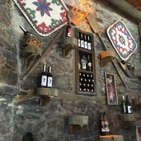 2/3/2018 tarihinde Selin Y.ziyaretçi tarafından Yorgonun Mahzeni Şarap Evi'de çekilen fotoğraf