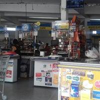 Foto tirada no(a) Supermercados Iza - Jd Bananal por Robson T. em 11/24/2016