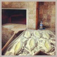 Das Foto wurde bei Alya Garden Restaurant Cafe von Mehmet A. am 2/14/2013 aufgenommen