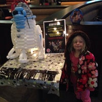 Photo taken at Boston Pizza by Jen B. on 2/1/2016