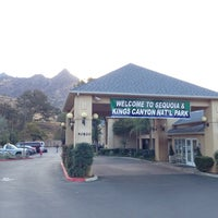 Photo taken at Comfort Inn & Suites Sequoia Kings Canyon by Dmitry U. on 10/24/2013
