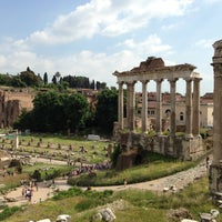รูปภาพถ่ายที่ จัตุรัสโรมัน โดย Serg G. เมื่อ 5/9/2013