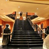 Photo taken at Four Seasons Hotel Singapore by MsBonVivantSG on 7/6/2013