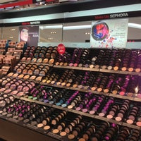 Photo prise au Sephora par MsBonVivantSG le6/1/2013