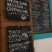 Foto tirada no(a) Sur Café por Eve em 3/7/2017