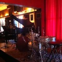 Photo taken at Deer Head Inn by Kenny M. on 9/28/2013