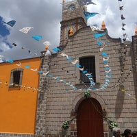 Photo taken at Parroquia De Cristo Rey by Aura on 8/17/2013