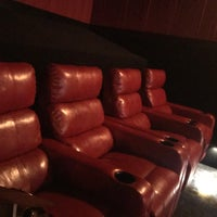 Foto tirada no(a) AMC Starplex Cinemas Loudoun Luxury 11 por William S. em 10/14/2017