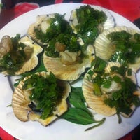 Photo taken at Ốc Nhi by An 🍳 on 11/15/2013