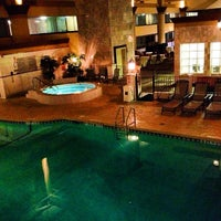 Photo taken at Holiday Inn Chicago North Shore (Skokie) by Brandi m. on 10/21/2012