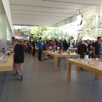 Photo taken at Apple Stanford by Monte J. on 9/23/2013