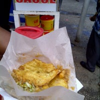 Photo taken at Sauce Doubles Vendor by Nesa E. on 11/9/2012