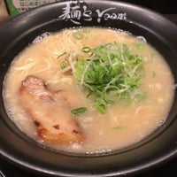 Photo taken at 麺's room 神虎 なんば店 by 龍 on 1/22/2017