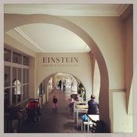 Das Foto wurde bei Café Einstein von Niklaus G. am 5/14/2013 aufgenommen