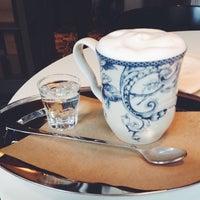 Снимок сделан в KROO CAFE пользователем Helen 5/9/2014
