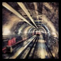 Foto tirada no(a) Tünel Tramvay Durağı por Suleyman K. em 2/20/2013