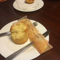 Foto tirada no(a) B.LEM Portuguese Bakery por Júlio Q. em 5/24/2014