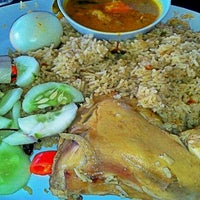 Photo taken at Restoran Hafiz Corner by aizal a. on 9/29/2011