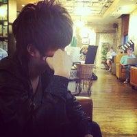 Photo taken at Starbucks by HanBi K. on 5/26/2012