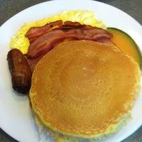 Photo taken at Ridgewood Eats by Daniel R. on 12/1/2011