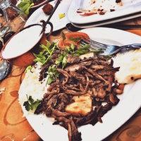 Das Foto wurde bei Yakamoz Restaurant von sadaf b. am 9/27/2017 aufgenommen