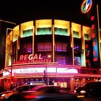 รูปภาพถ่ายที่ Regal Cinemas LA LIVE Stadium 14 โดย Marko เมื่อ 7/27/2013
