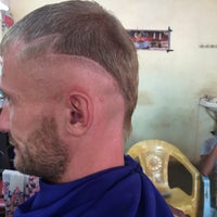 Photo taken at BOMBAY HAIR CUTTING SALOON by Alexander 😎 F. on 3/8/2015