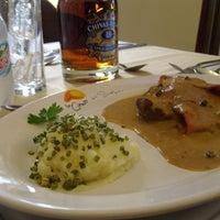 Foto tomada en La Cima Restaurant Bar por La Cima el 11/1/2013