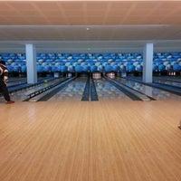 12/9/2012 tarihinde Dragan D.ziyaretçi tarafından Planet Bowling'de çekilen fotoğraf