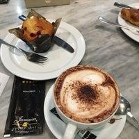Photo taken at Jamaica Coffee Shop by Verochka Malakhova on 5/10/2016